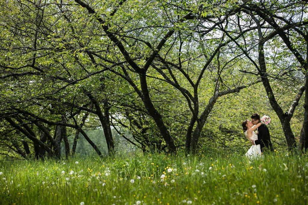 Brautpaarfoto im Park Aibachgrund bei Sindelfingen